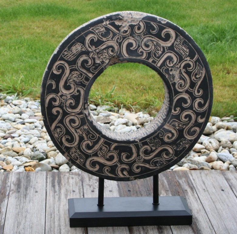 Kolo štěstí - Kamenná dekorace z umělého kamene 1670 Kč Foto: La Casa Nova