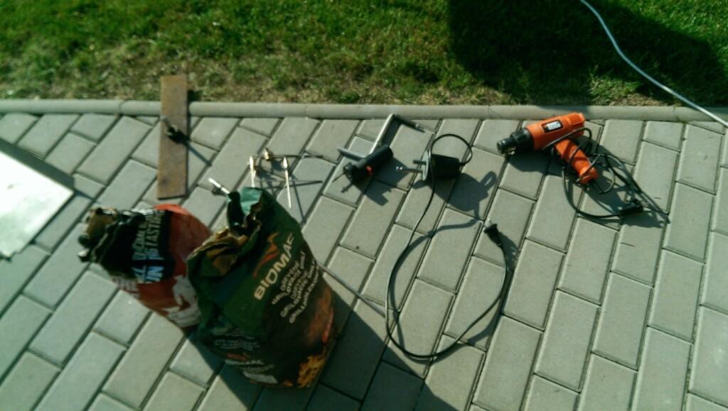 nástroje na grilování