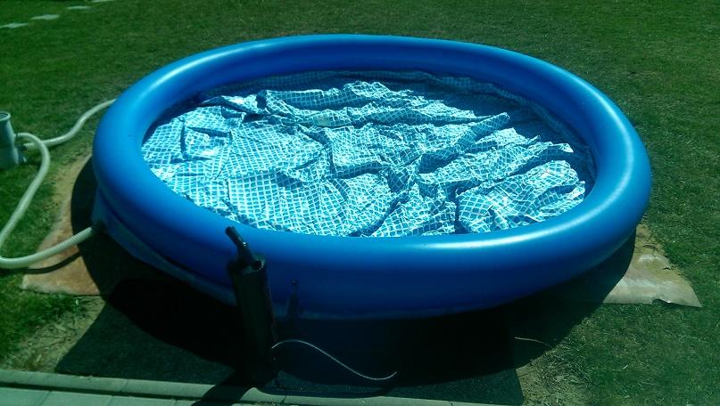 Nafukování bazénu