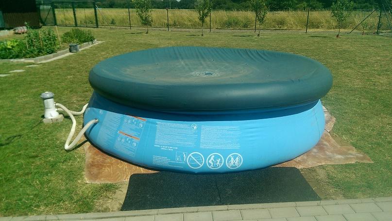 Napuštěný bazén
