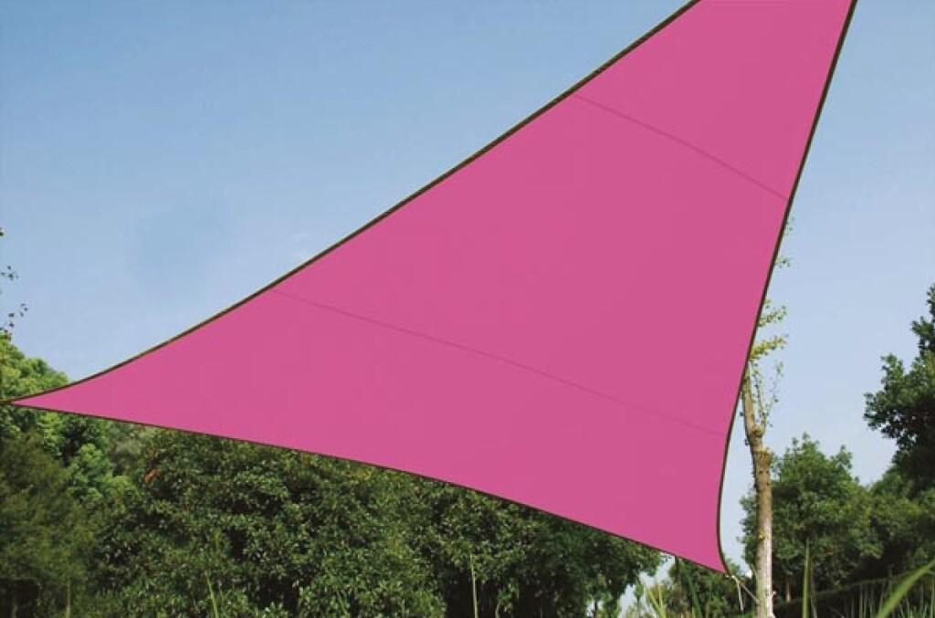 Trojúhelníková stínící plachta