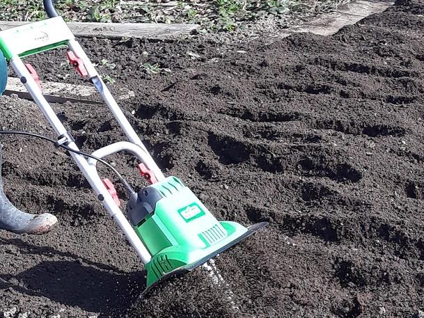 Kypření půdy