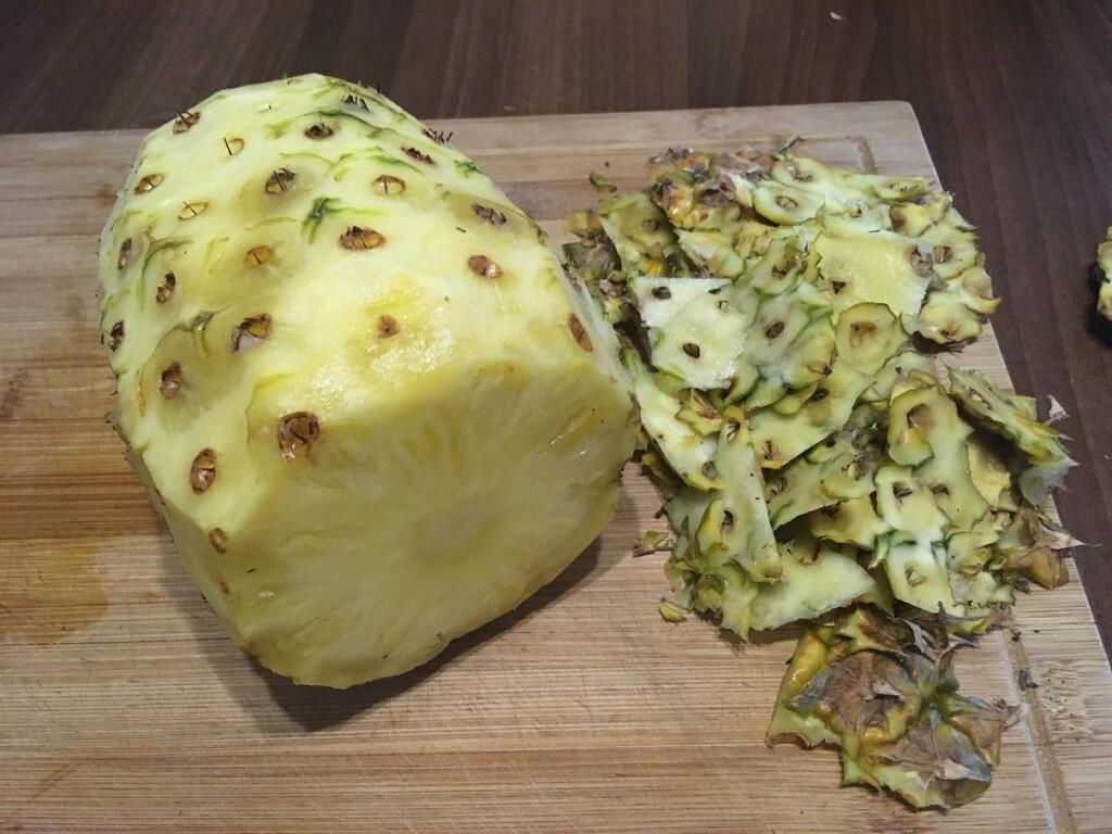 Ananas a zbytky