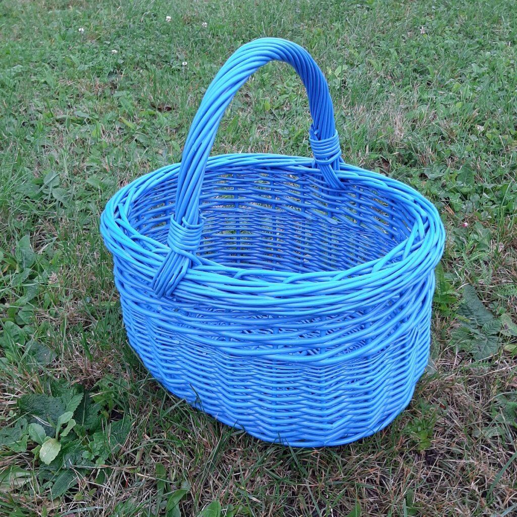 Modrý košík na houby