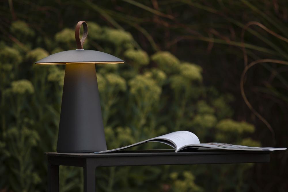venkovni-stolni-lampa